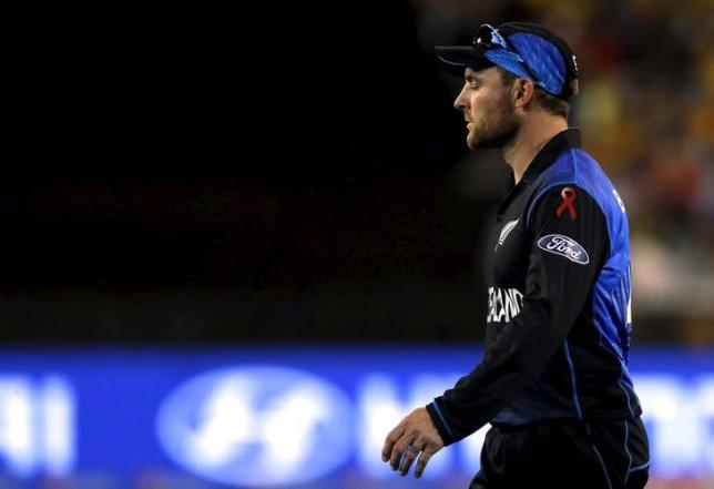 New Zealand's captain Brendon McCullum reacts after Australia's captain Michael Clarke hit a boundary during their Cricket World Cup final match at the Melbourne Cricket Ground (MCG) March 29, 2015.      REUTERS/Jason Reed