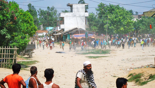 Demonstrators demanding the release of CK Rautu0092s supporters after the police arrested them at Balawa, in Mahottari, on Wednesday.tPhoto:THT