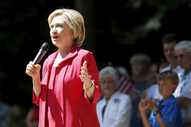 Former United States Secretary of State and Democratic candidate for president Hillary Clinton speaks to supporters during a campaign event in Hanover, New Hampshire, July 3, 2015.  REUTERS/Dominick Reuter