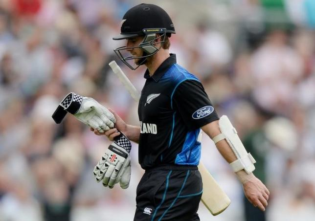 Cricket - England v New Zealand - Second Royal London One Day International - Kia Oval - 12/6/15nNew Zealand's Kane Williamson leaves the field after scoring 93nAction Images via Reuters / Philip BrownnLivepic/Files