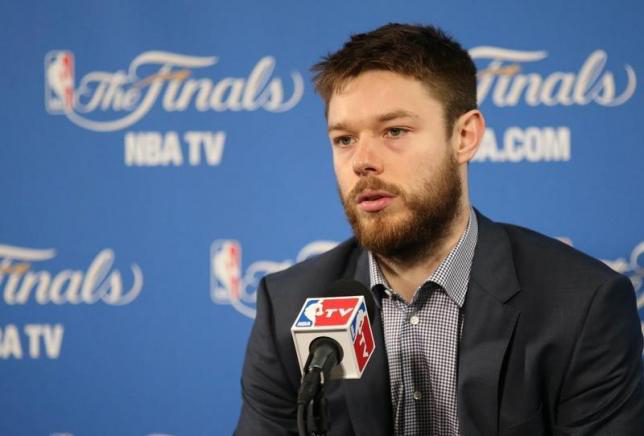Australian guard Matthew Dellavedova has re-signed for the Cleveland Cavaliers, the team announced. Photo: Reuters