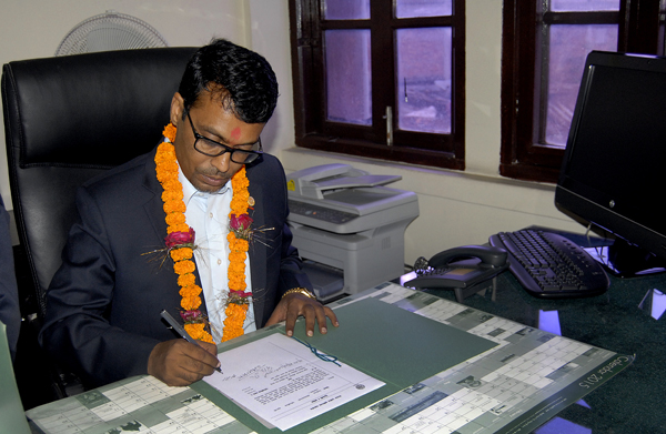 FNCCIu0092s newly elected President Pashupati Murarka assuming office at FNCCI Secretariat in Teku , on Friday. Photo: THT