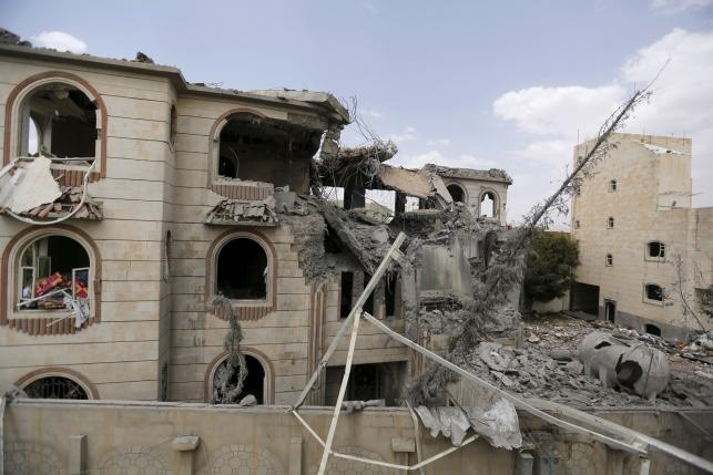 The house of Brigadier Khaled al-Anduli, an army commander loyal to the Houthi movement, is seen after it was hit by Saudi-led air strikes in Yemen's capital Sanaa July 6, 2015. REUTERS/Khaled Abdullah