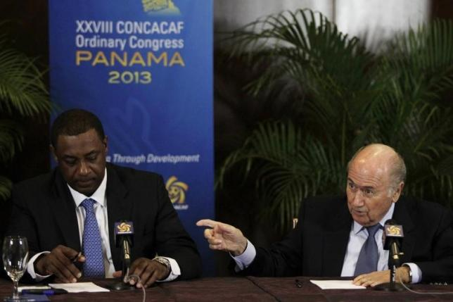 Sepp Blatter (right) gestures next to  Jeffrey Webb during a news conference at the CONCACAF congress in Panama City April 19, 2013. Photo: Reuters