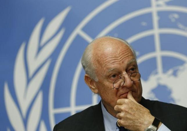 United Nations Special Envoy for Syria, Staffan de Mistura gestures during a news conference at the United Nations European headquarters in Geneva, Switzerland, May 5, 2015. REUTERS/Denis Balibouse/Files