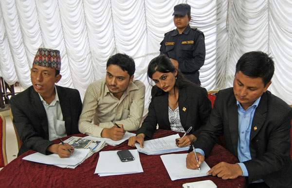 Government staffers collecting suggestions and feedback at Panga, in Kirtipur, on Monday. Photo:THT