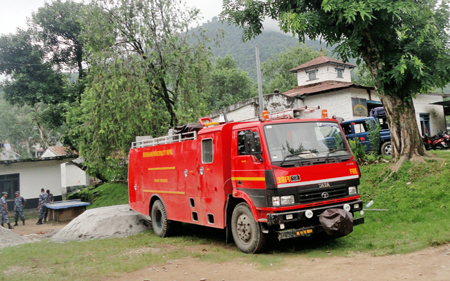 A fire engine, which was brought for the first time in Lamjung Municipality, parked on the premises of District Police Office, in Lamjung, on Sunday. Photo: THT