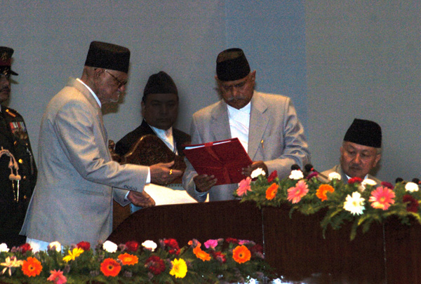 Prime Minister Sushil Koirala handing over the governmentu0092s policies and programmes to President Ram Baran Yadav at the Parliament, in New Baneshwor, Kathmandu, on Wednesday.nPhoto: Dhurba Ale/ THT