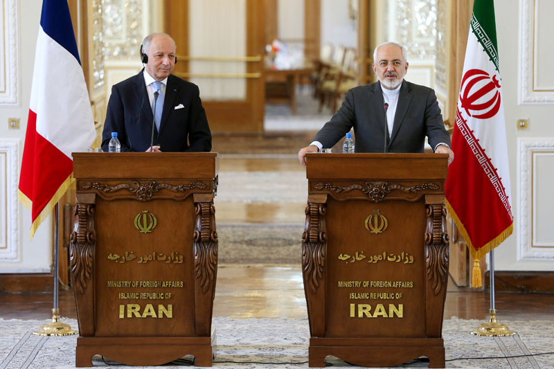 Iranian Foreign Minister Mohammad Javad Zarif, right, speaks during a joint press conference with his French counterpart Laurent Fabius in Tehran, Iran, Wednesday, July 29, 2015. Photo: AP