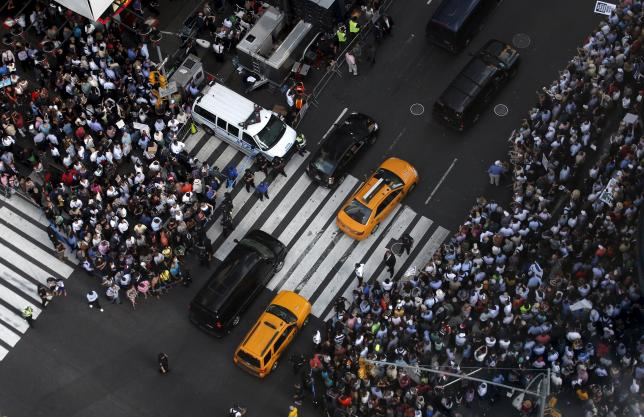 Some of several thousand protestors crowd into 7th Avenue at 42nd street as they demonstrate during a rally apposing the nuclear deal with Iran in Times Square in the Manhattan borough of New York City, July 22, 2015. REUTERS/Mike Segar
