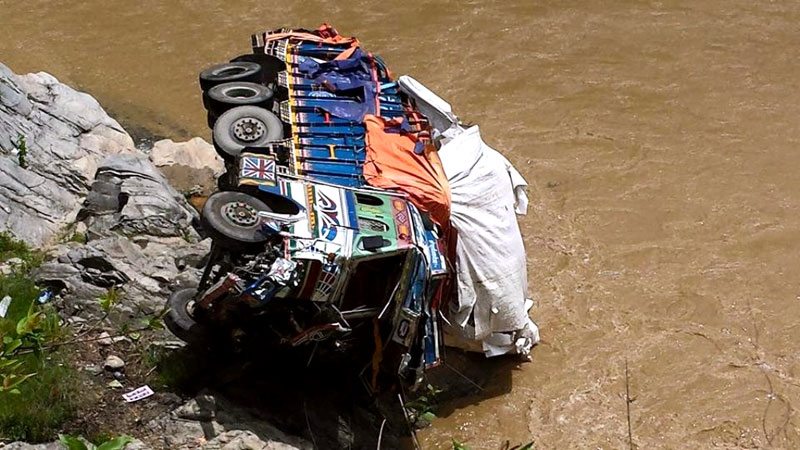 A truck that plunged into the Maheshkhola stream in Dhading on Saturday, July 25, 2015. Photo: Keshav Adhikari