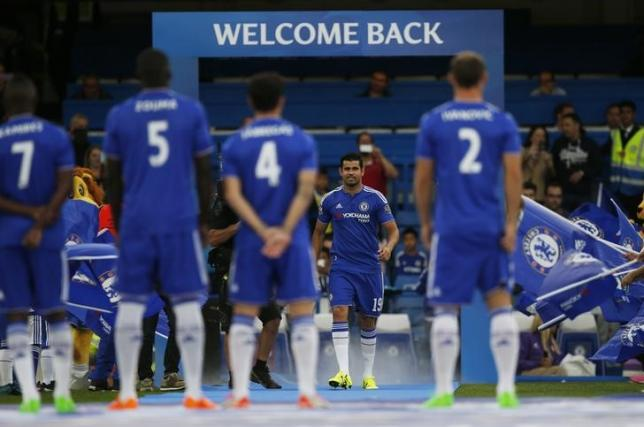 Football - Chelsea v Fiorentina - International Champions Cup Pre Season Friendly Tournament - Stamford Bridge - 5/8/15nChelsea's Diego Costa is introduced before the matchnAction Images via Reuters / Peter CziborranLivepic