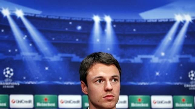Jonny Evans looks on during a news conference in Cluj-Napoca, 426 km (261 miles) northwest of Bucharest, October 1, 2012. REUTERS/Bogdan Cristel/Files