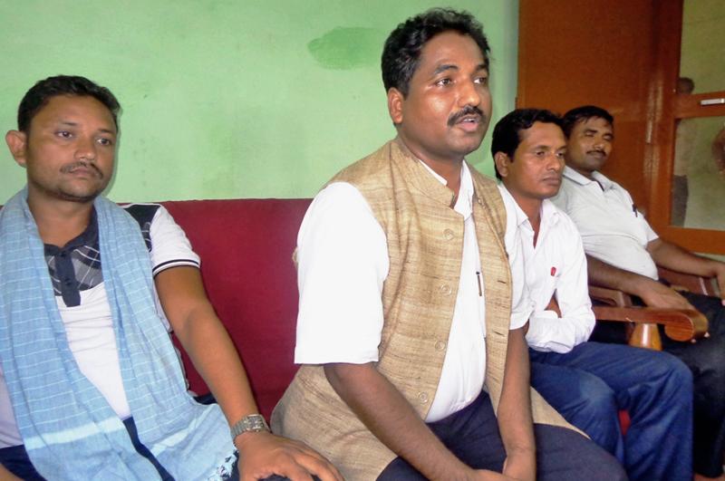 UCPN-M politburo member Prabhu Sah addressing a press meet organised by his party in Gaur, Rautahat, on Sunday. Photo: THT