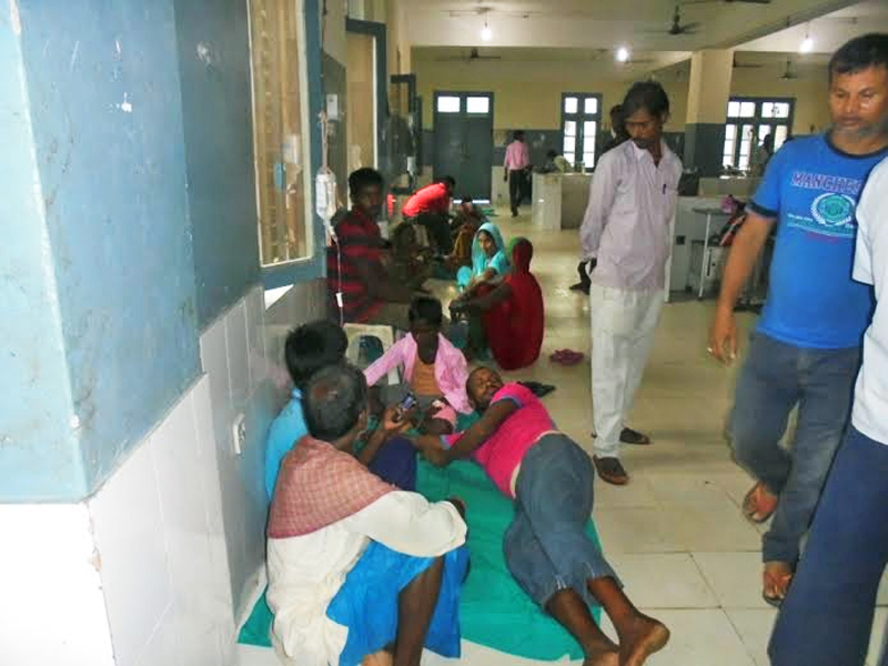 Snakebite victims receiving treatment at the Gajendra Narayan Singh Sagarmatha Zonal Hospital in Rajbiraj on Thursday, August 20, 2015. Photo: Byas Shankar Upadhayaya