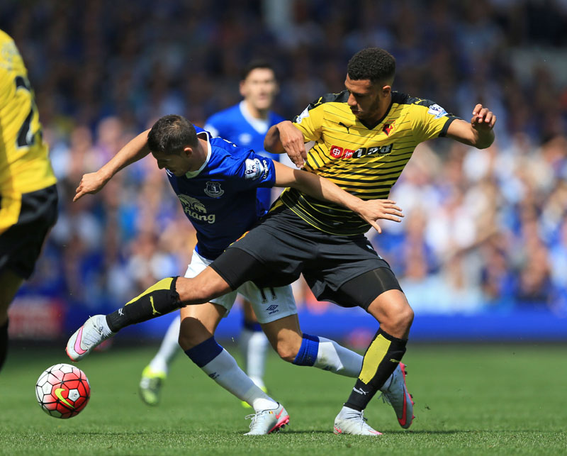 Everton's Kevin Mirallas, left, and Watford's Etienne Capoue battle for the ball during their English Premier League match at Goodison Park, Liverpool, England, Saturday Aug. 8, 2015. Photo: AP