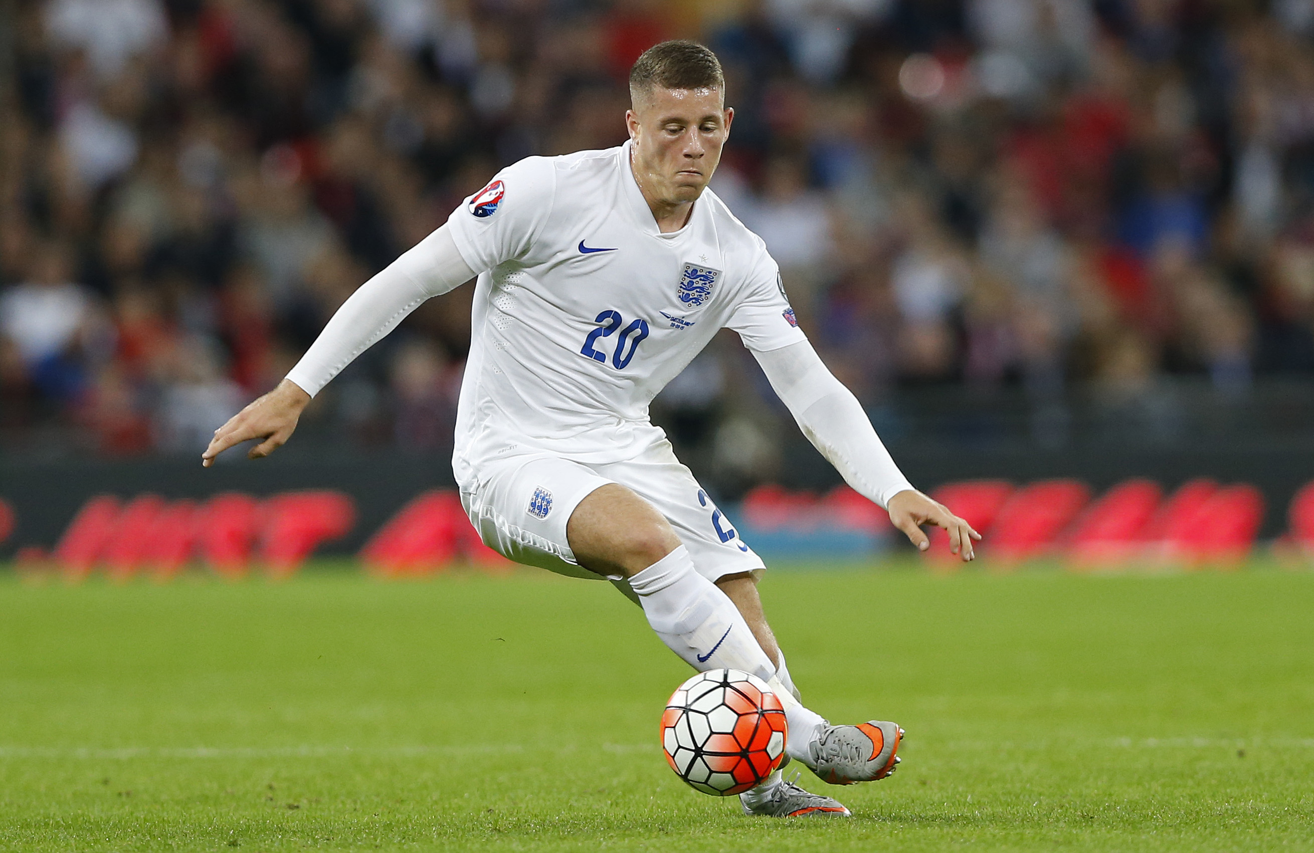 Football - England v Switzerland - UEFA Euro 2016 Qualifying Group E - Wembley Stadium, London, England - 8/9/15nEngland's Ross Barkley in action nAction Images via Reuters / Carl RecinenLivepicnEDITORIAL USE ONLY.