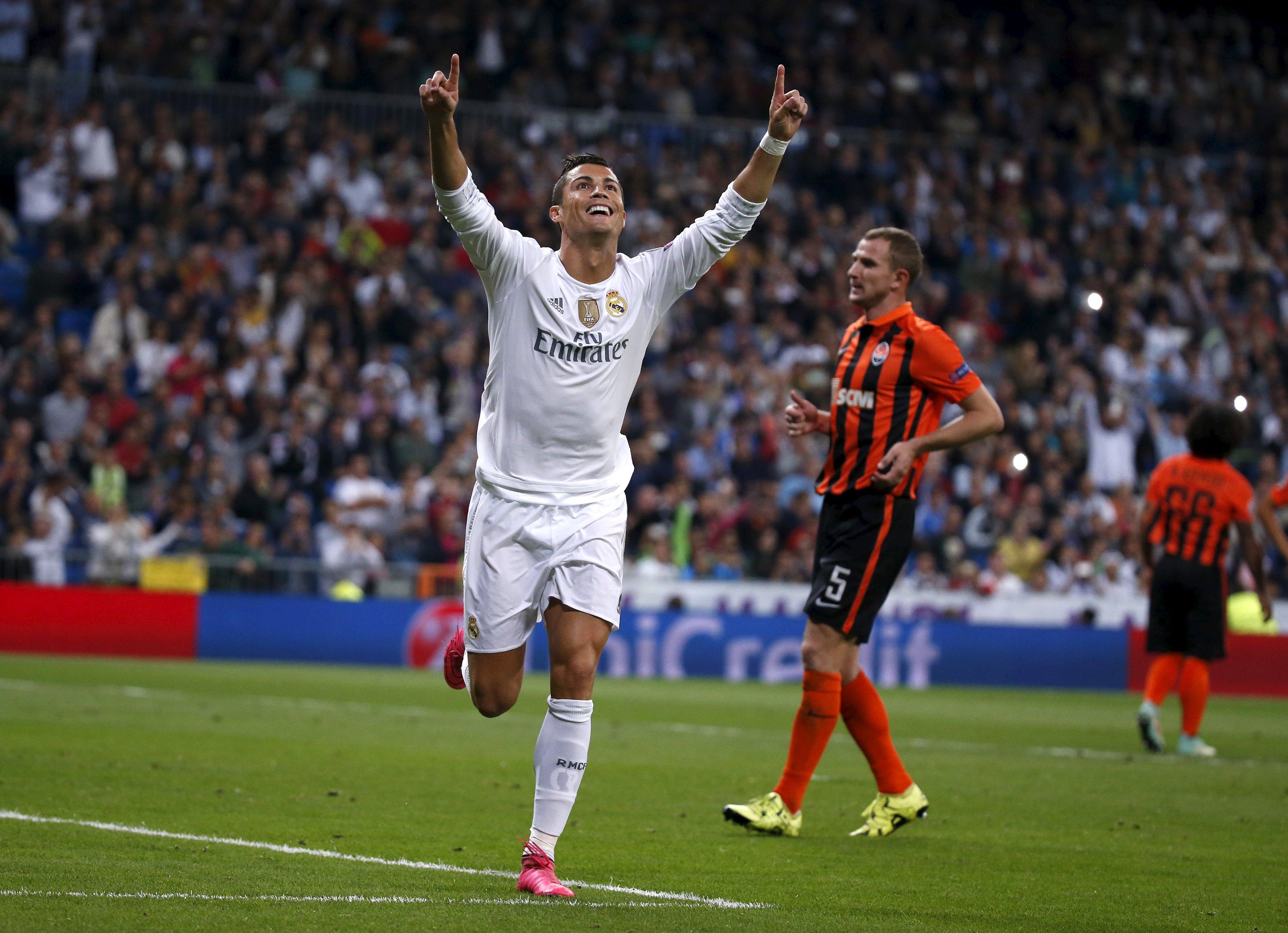Real Madrid's Cristiano Ronaldo celebrates his second goal during their Champions League soccer match against Shakhtar Donetsk at Santiago Bernabeu stadium in Madrid, Spain, September 15, 2015. REUTERS/Juan Medina