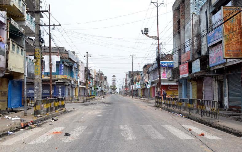 A road wears a deserted look due to curfew in Birgunj on Thursday, September 3, 2015. Photo: Ram Sarraf