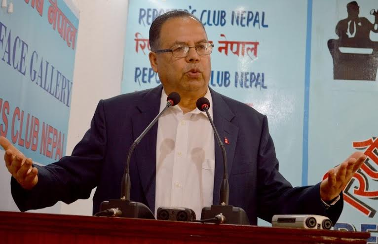CPN-UML leader Jhala Nath Khanal speaking at an interaction organised at the Reporters' Club in the Capital on Friday, September 25, 2015. Photo: Reporters' Club