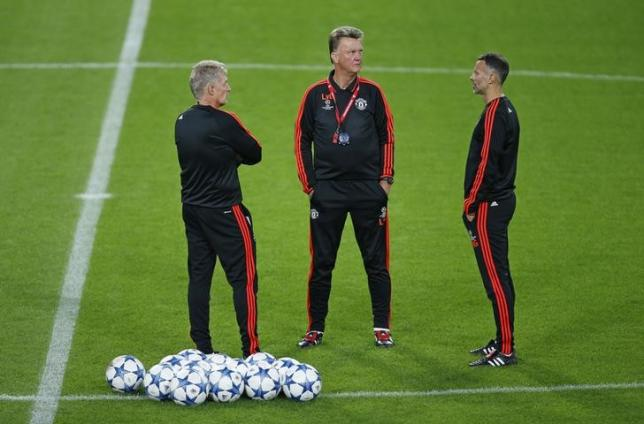 Football - Manchester United Training - Philips Stadion, Eindhoven, Netherlands - 14/9/15nManchester United coach Louis van Gaal and assistant manager Ryan Giggs during trainingnAction Images via Reuters / Andrew CouldridgenLivepic