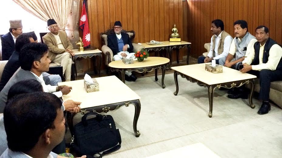 UCPN-Maoist lawmakers representing Tarai region holding a meeting with Prime Minister Sushil Koirala in Baluwatar on Sunday, September 13, 2015. Photo: PM's Secretariat