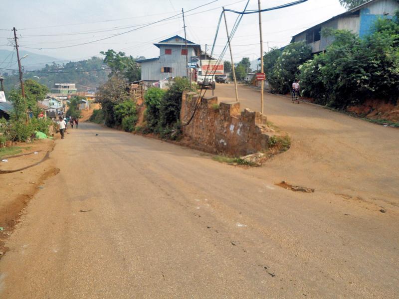 Deserted street of Phidim, Panchthar district headquaters on Friday, September 11, 2015. Photo: Laxmi Gautam