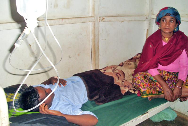 Roshan Gadaili of Manedanda Lower Secondary School being treated at Pathibhara Hospital, in Phidim, on Thursday. Photo: THT