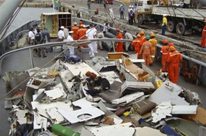 In this photo released by Brazil's Navy, pieces of debris of the Air France Flight 447 are seen on the Brazil's navy ship Caboclo, at the port of Recife, Brazil, Friday, June 19, 2009.  Source: AP