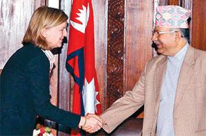 UNMIN chief Karen Landgren with Prime Minister Madhav Kumar Nepal at the latter's office in Singha Durbar,Kathmandu,on Thursday Source: THT