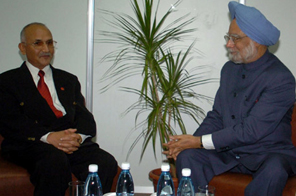 Indian Prime Minister Dr. Manmohan Singh meeting with the then Deputy Prime Minister of Nepal  K.P. Sharma Oli on sidelines of the XIVth Non-Aligned Movement Summit at Havana, Cuba on September 16, 2006. Source: Agencies