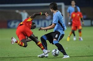Ghana's Abeiku Quansah (left) vie for the ball with Uruguays Leandro Cabrera during their Group Group D FIFA U-20 World Cup match in port city of Ismailia, on October 2. Ghana will have revenge in mind when they confront four-time champions Brazil in the final of the Under-20 World Cup at the Cairo International Stadium on Friday. Source: AFP