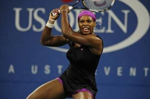 US number two seed Serena Williams returns a shot to Hungary's Melinda Czink during their second round match during day three of the 2009 US Open at the USTA Billie Jean King National Tennis Center, in New York, on September 2. Source: AFP