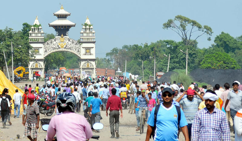 The Indo-Nepal border point in Raxaul, near Birgunj of Parsa, as the protesters aligned to the United Democratic Madhesi Front staged a demonstration at the no man's land, on Friday, September 25, 2015. Photo: Ram Sarraf