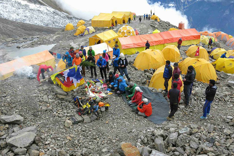 Climbers' tents at the Manaslu base camp. Courtesy: Arnold Coster