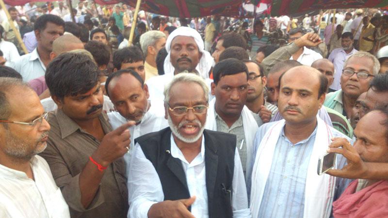 Sadbhawana Party Chairman Rajendra Mahato speaks during a protest programme in Birgunj of Parsa on Saturday, September 26, 2015. Photo: Ram Sarraf