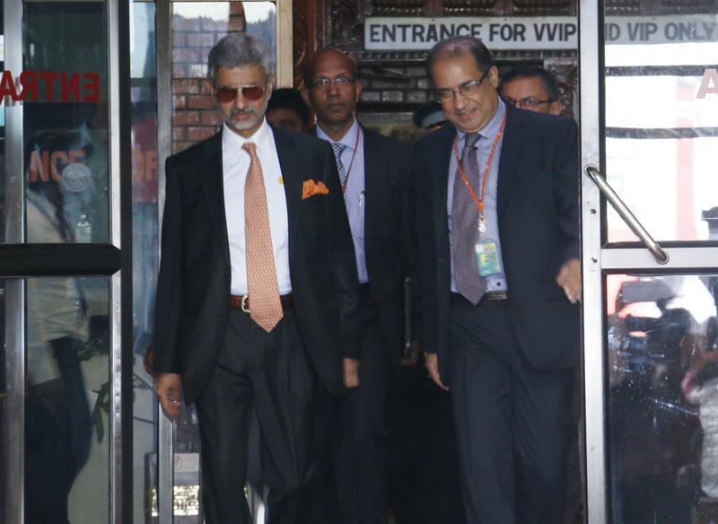 Indian Foreign Secretary S. Jaishankar (l) arrives at the Tribhuvan International Airport in Kathmandu, on Friday, September 18, 2015. Photo: RSS