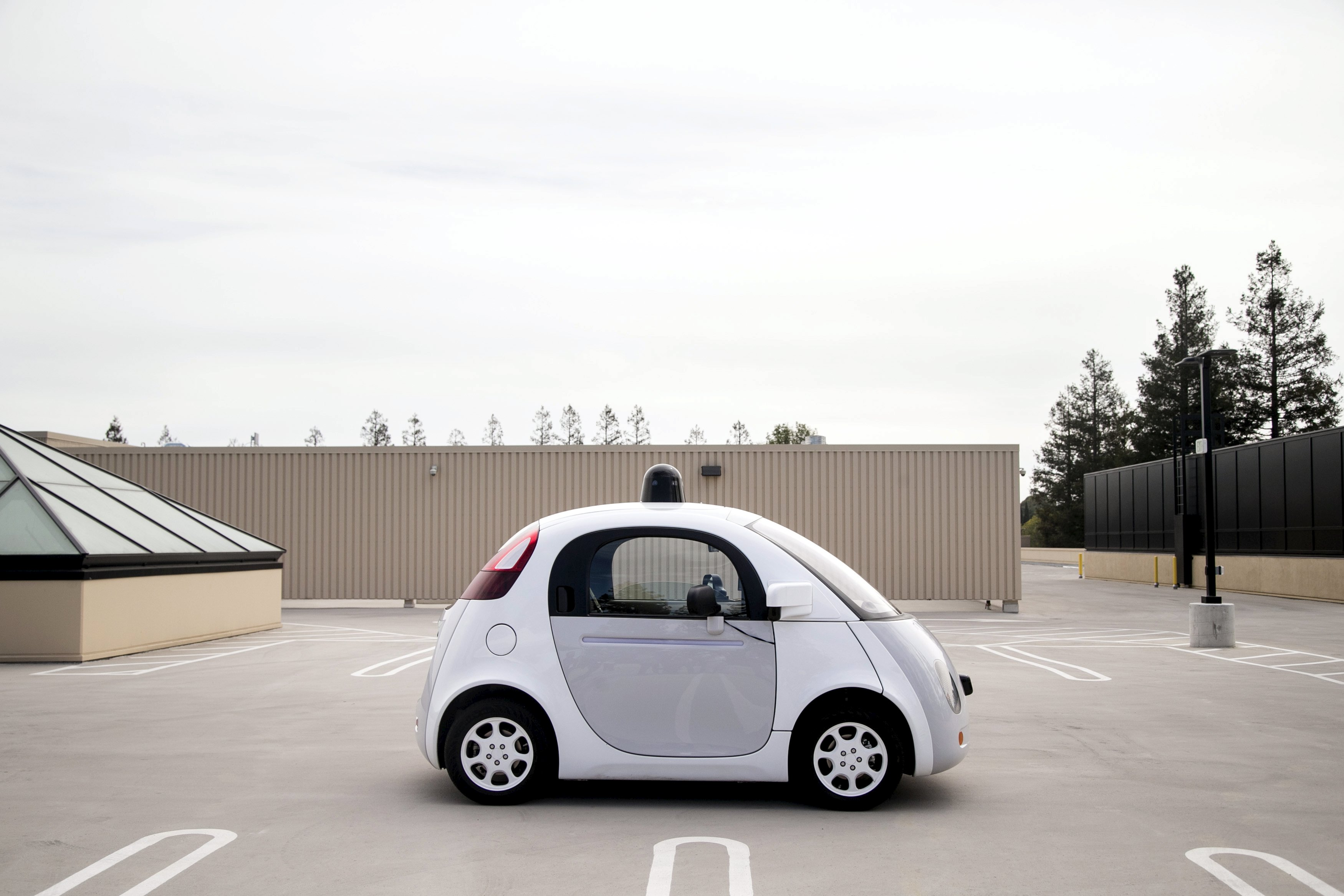 A prototype of Google's own self-driving vehicle is seen during a media preview of Google's current autonomous vehicles in Mountain View, California September 29, 2015.  Photo: Reuters