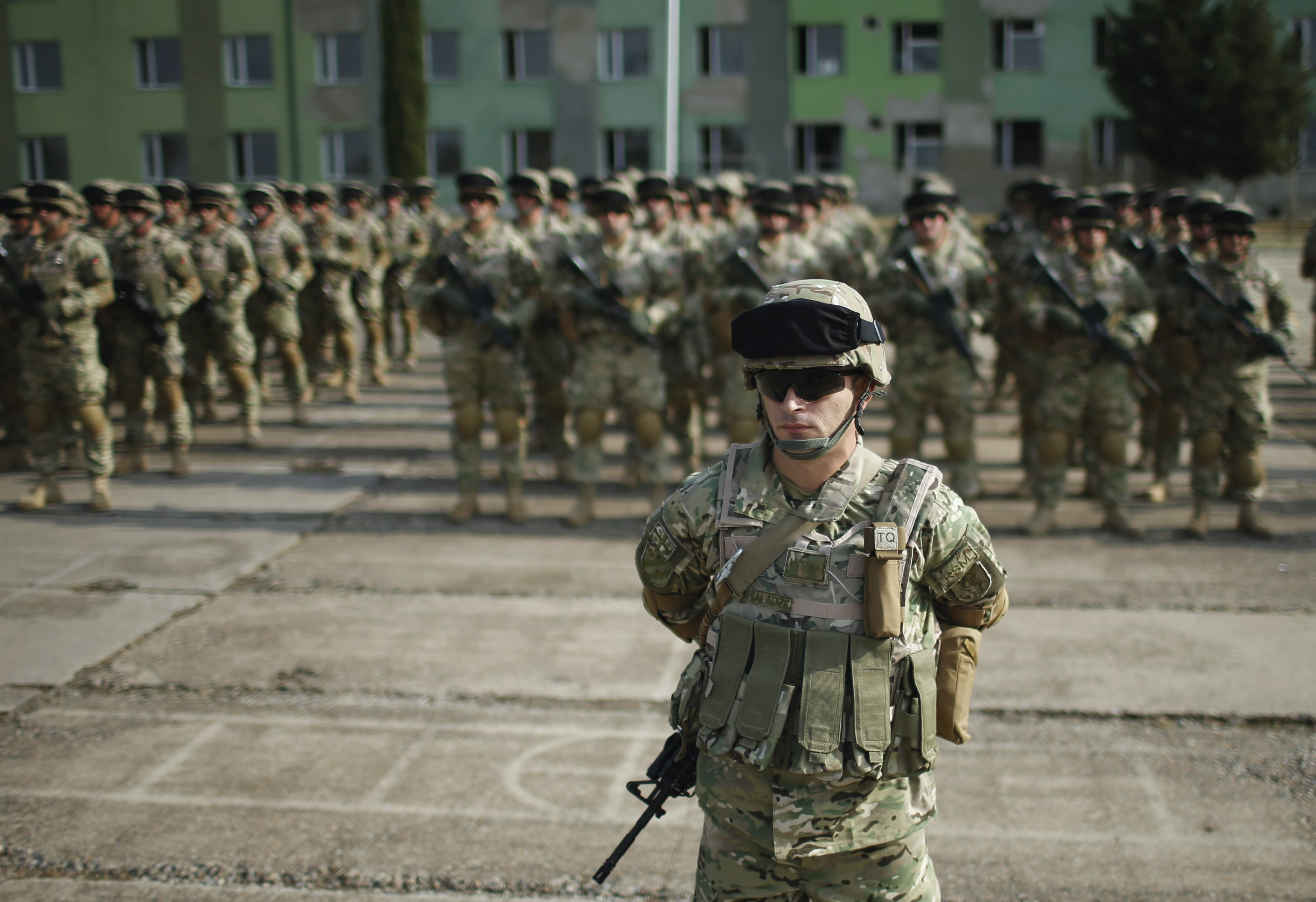 Servicemen attend a farewell ceremony at the Vaziani military base outside Tbilisi, Georgia, September 30, 2015. Photo: Reuters