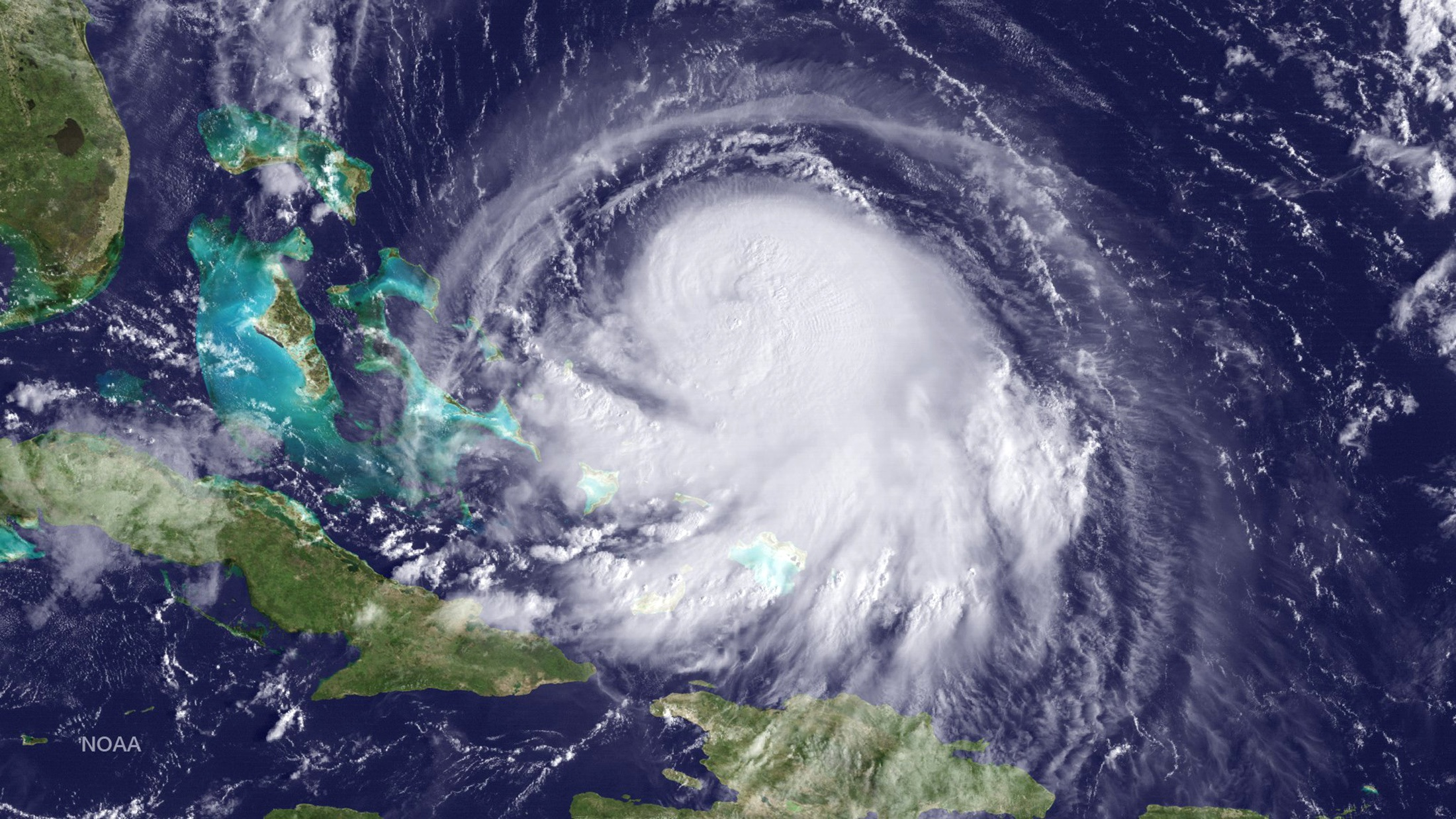 Hurricane Joaquin is seen approaching the Bahamas in this NOAA GOES East satellite image taken at 09:15 ET (13:15 GMT) September 30, 2015.  Photo: NOAA via Reuters