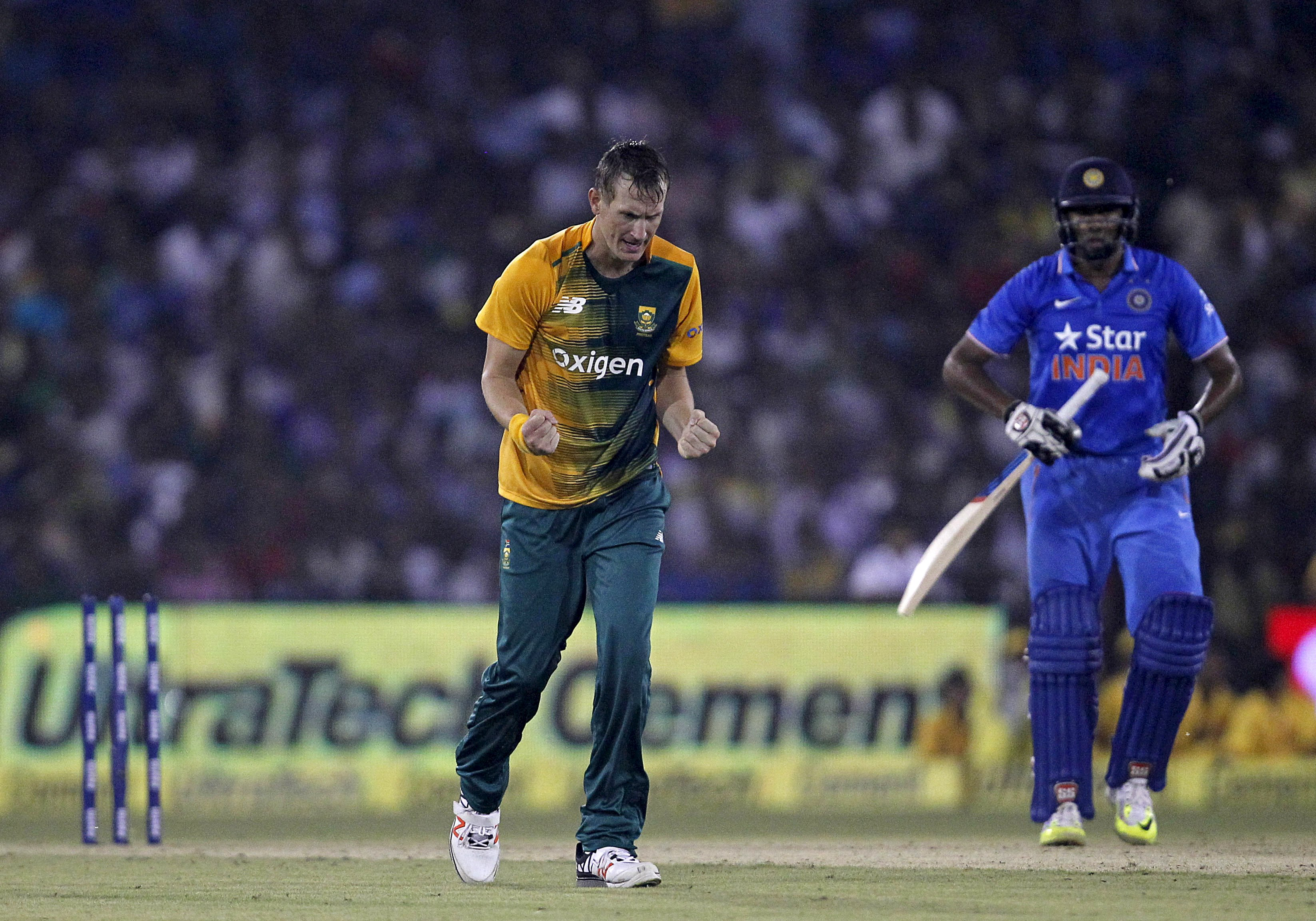 South African's Chris Morris celebrates after dismissing India's Ravichandran Ashwin during their second Twenty20 cricket match in Cuttack, India, October 5, 2015. Photo: Reuters