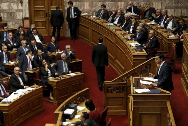 Greek Prime Minister Alexis Tsipras delivers a speech during a parliamentary session before a vote of confidence at the parliament building in Athens, Greece, on October 8, 2015. Photo: Reuters