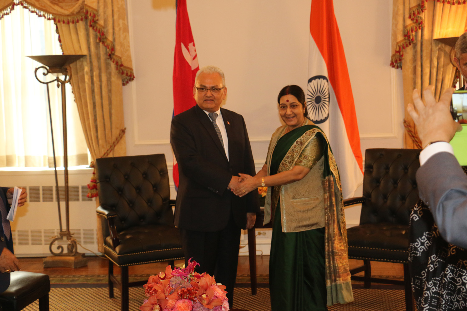 Minster for Foreign Affairs Mahendra Bahadur Pandey shaking hands with Indian Minister for External Affairs Sushma Swaraj in New York on Wednesday, September 30, 2015. Photo: RSS