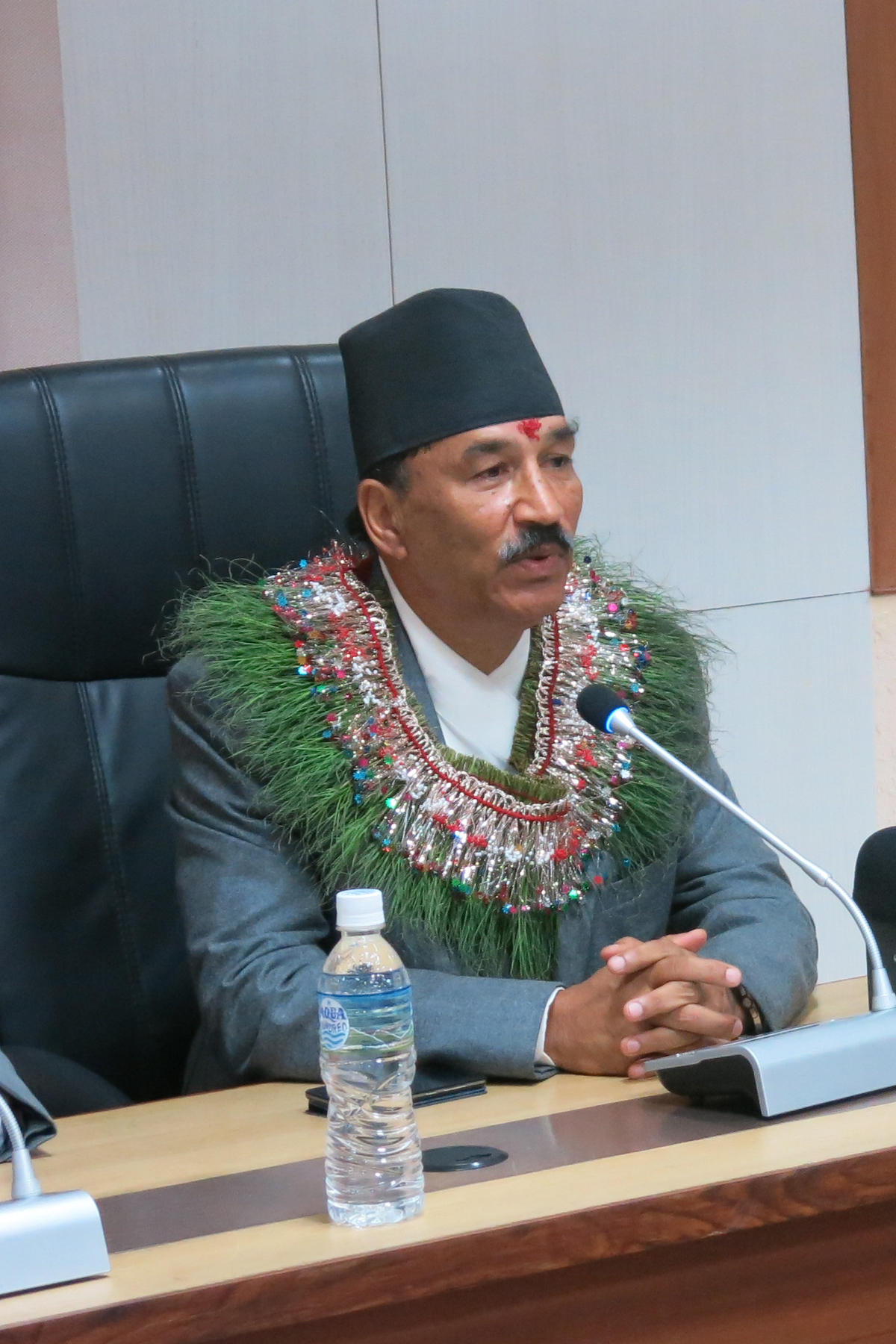 Newly appointed Deputy Prime Minister and Minister for Foreign Affairs Kamal Thapa giving instruction to the officials after he assumed his post in Kathmandu, on Monday. Photo: RSS