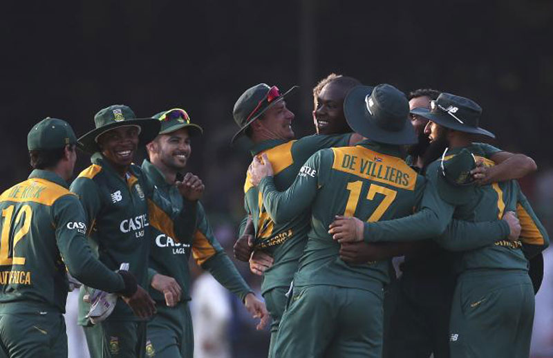 South African players celebrate their team's victory over India during their first one-day international cricket match against India in Kanpur, India, October 11, 2015.nReuters/Adnan Abidin