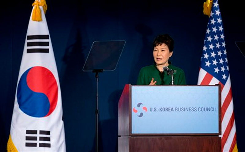 South Korean President Park Geun-hye speaks to the US Chamber of Commerce and the U.S.-Korea Business Council annual meeting in Washington, Thursday, October 15, 2015. Photo: AP