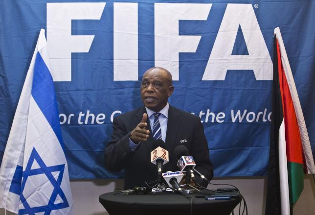 Tokyo Sexwale, chairman of the FIFA monitoring committee Israel and Palestine, speaks during a news conference in Tel Aviv, Israel October 2, 2015.  REUTERS/Nir Elias