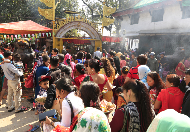 Devotees throng the Bhadrakali Temple in Kathmandu, on the day of Phulpati during the 15-day long Badadashain festival, on Tuesday, October 20, 2015. Photo: RSS