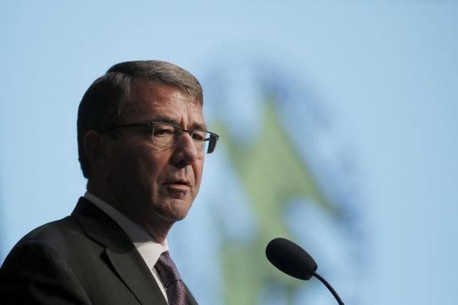 US Defense Secretary Ash Carter delivers remarks at The Association of the United States Army (AUSA) 2015 Annual Meeting and Exposition in Washington October 14, 2015. REUTERS/Carlos Barria