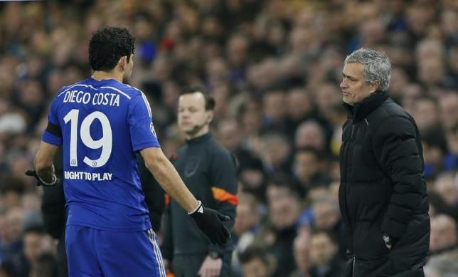 Football - Chelsea v Paris St Germain - UEFA Champions League Second Round Second Leg - Stamford Bridge, London, England - 11/3/15nChelsea manager Jose Mourinho talks to Diego CostanReuters / Stefan WermuthnLivepic